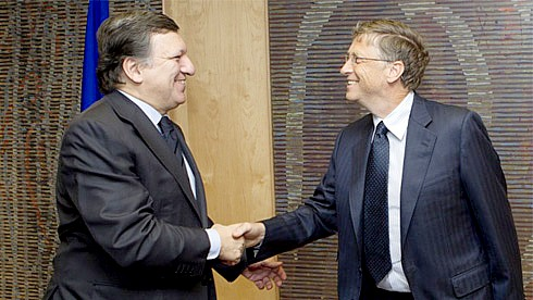 European Commission President José Manuel Barroso and former Microsoft CEO Bill Gates in Brussels in January 2012